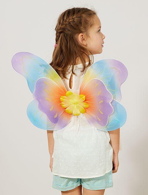 Alas de mariposa                             blanco