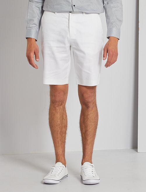 Bermuda tipo chino de lino y algodón                                         blanco