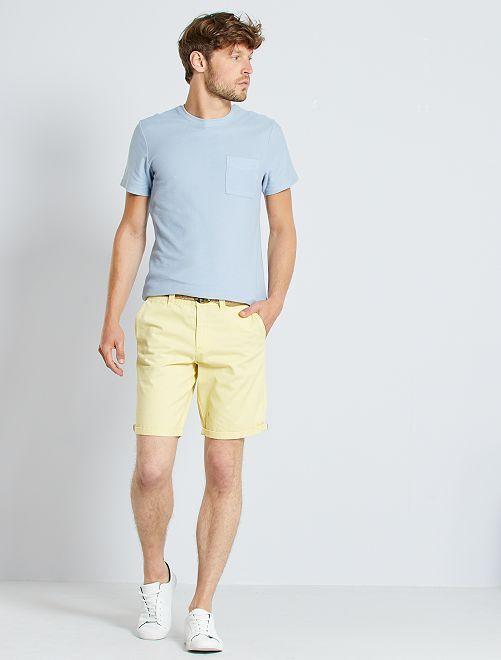 Bermudas tipo chino + cinturón                                                                                                                 amarillo suave