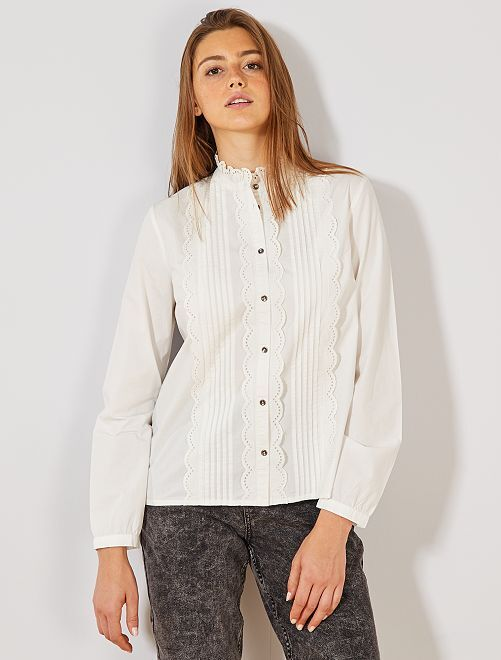 Blouse with Victorian collar                             blanco nieve