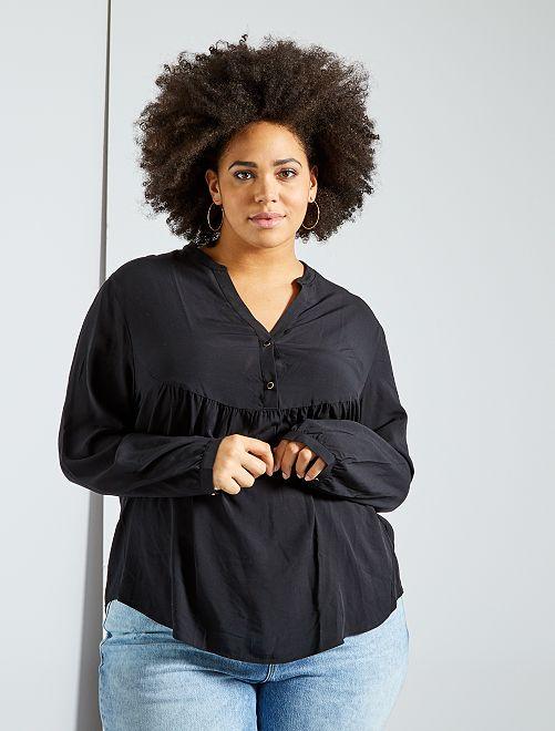 Blusa básica con frunces                     negro