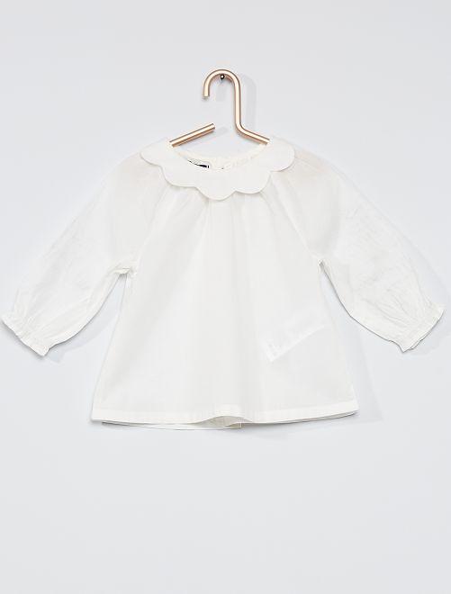 Blusa con cuello efecto gorguera                                         blanco nieve