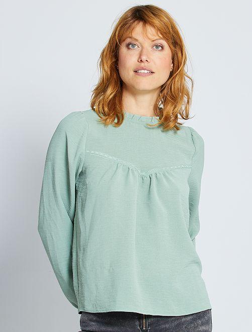Blusa con cuello victoriano                             azul