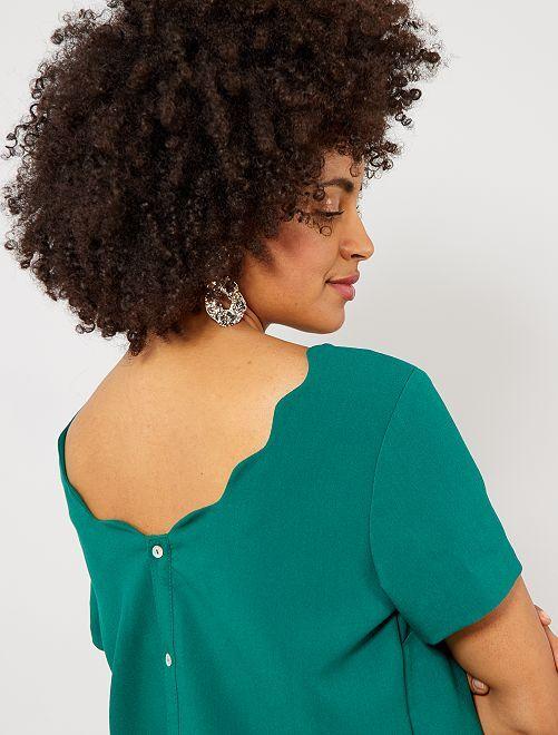 Blusa con espalda abotonada y cuello corola                                                                 VERDE Mujer talla 34 a 48