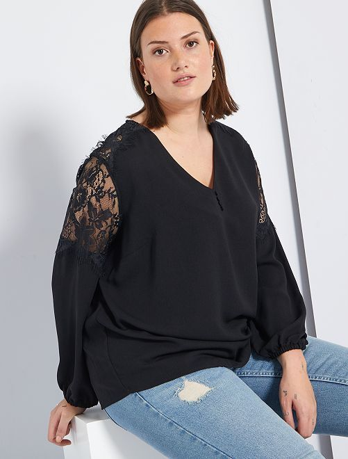 Blusa con mangas de encaje                             negro