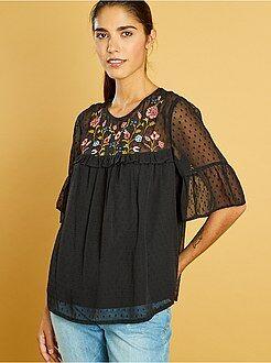 Mujer Blusa de plumeti con bordados