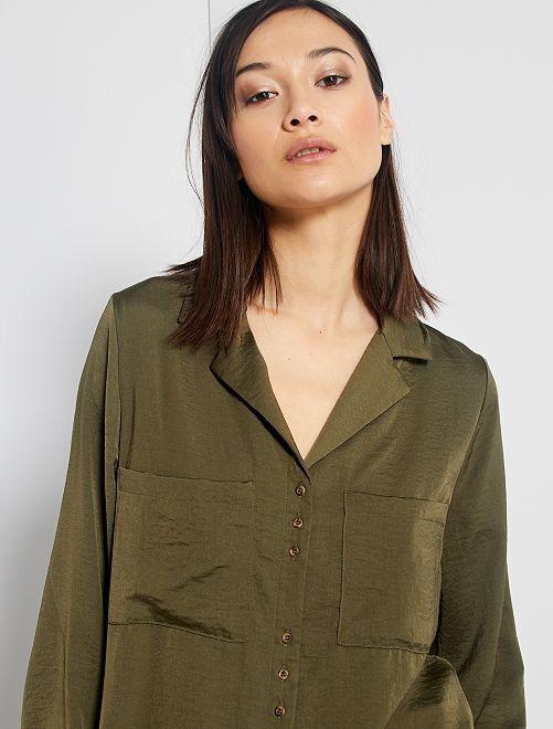 Blusa satinada                                                                 verde oscuro