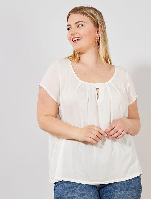 Blusa vaporosa con detalle en el escote                             BEIGE Tallas grandes mujer