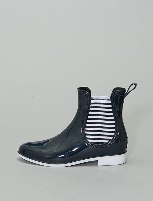 Botines de agua estilo chelsea                             negro