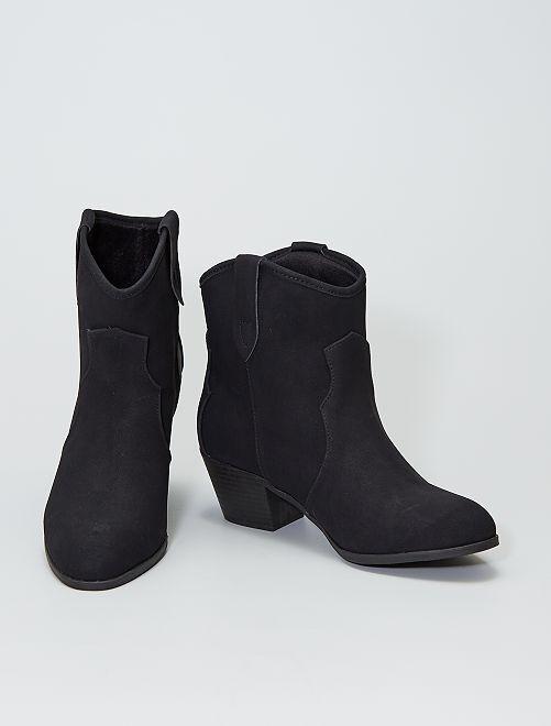 Botines estilo western                             negro