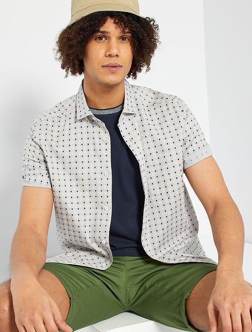 Camisa con estampado étnico                                                                                                                                                                                                                 GRIS