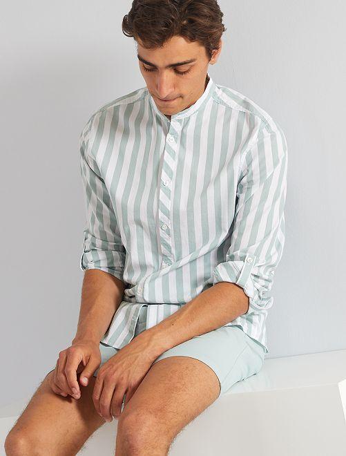 Camisa de rayas anchas con cuello mao                                         a rayas azul