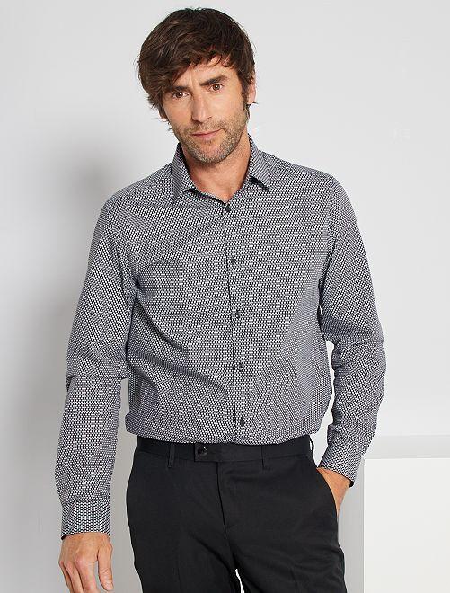 Camisa regular estampada                                         NEGRO