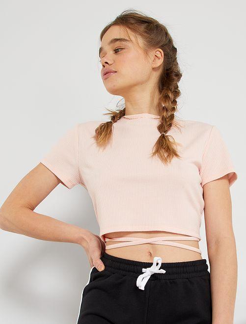 Camiseta abierta en la parte trasera                                         rosa