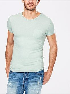 Camisetas verde - Camiseta ajustada con cuello de pico