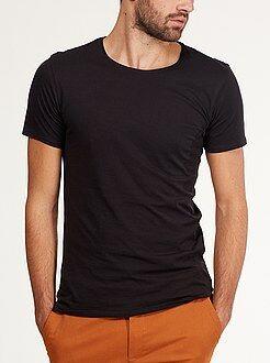 Camisetas negro - Camiseta ajustada de punto ligero con cuello redondo