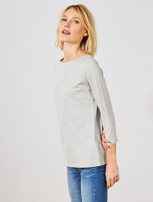 Camiseta básica con escote barco                                                                                                     GRIS