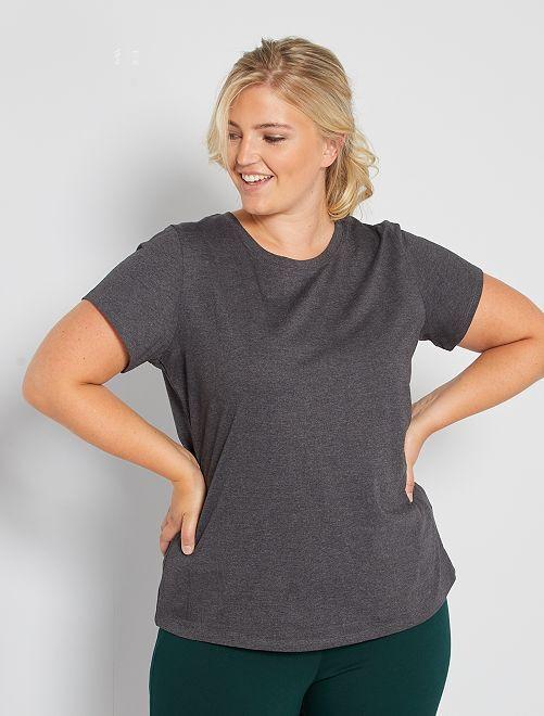 Camiseta básica estampada                                                                                                                                                                 GRIS