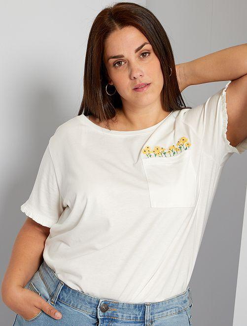 Camiseta bordada de flores                             blanco nieve