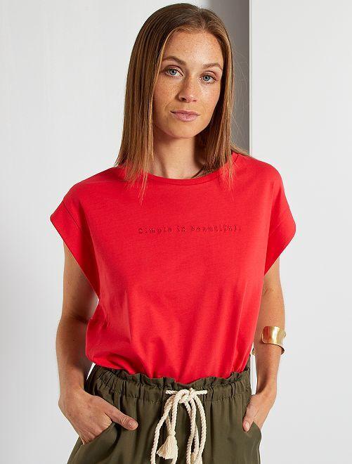 Camiseta bordada                             rojo