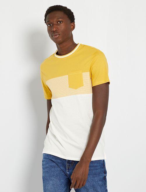 Camiseta colorblock con bolsillo en el pecho                                                                 amarillo anaranjado