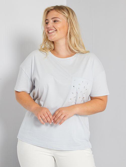 Camiseta con bolsillo con pedrería                             verde ártico