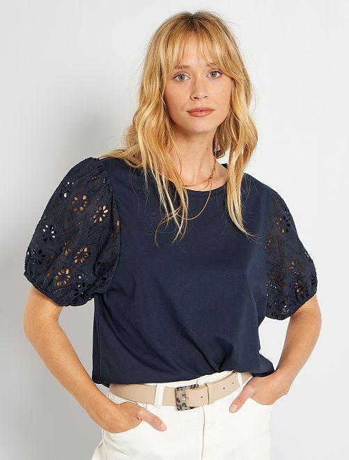 Camiseta con bordado inglés                                         azul