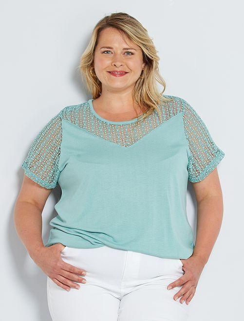 Camiseta con cuello de encaje                                         verde gris