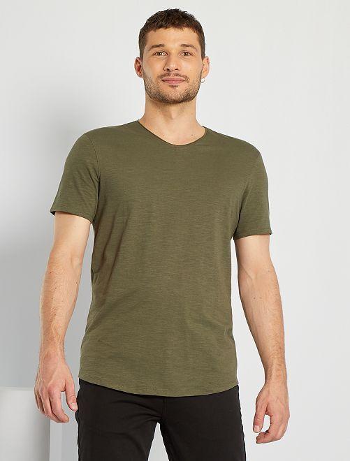 Camiseta con cuello de pico +1,90 m                                                                             KAKI