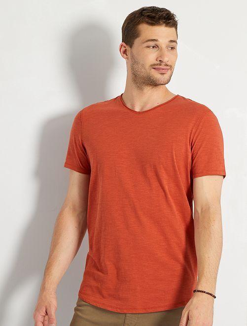 Camiseta con cuello de pico +1,90 m                                                                             rojo teja