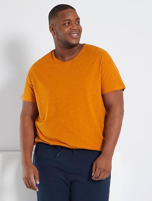 Camiseta con cuello de pico eco-concepción                                                                                                     marrón