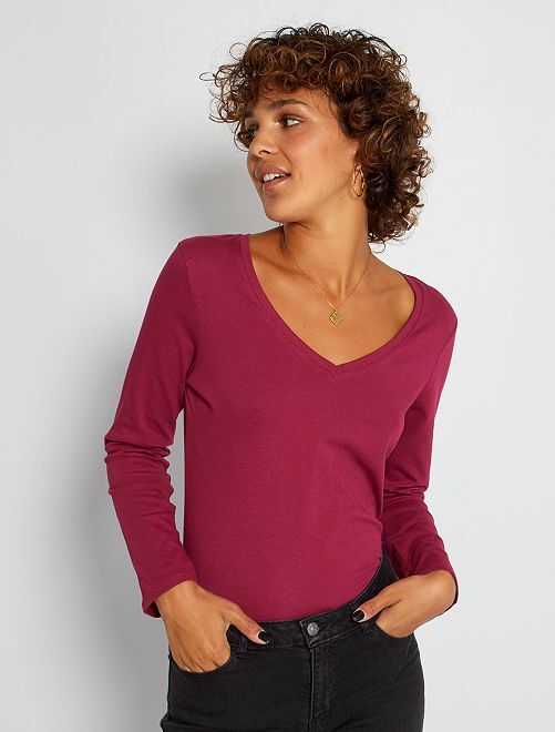 Camiseta con cuello de pico                                                                                                     rojo