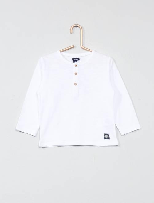 Camiseta con cuello panadero                             blanco