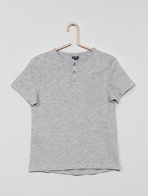 Camiseta con cuello panadero                                         GRIS