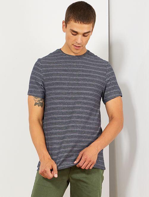 Camiseta con detalle de rayas                                                     AZUL Hombre