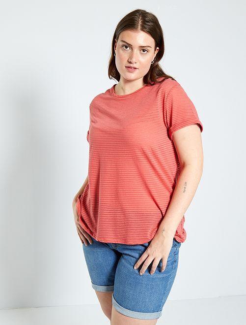 Camiseta con estampado de punto devoré                                         ROSA