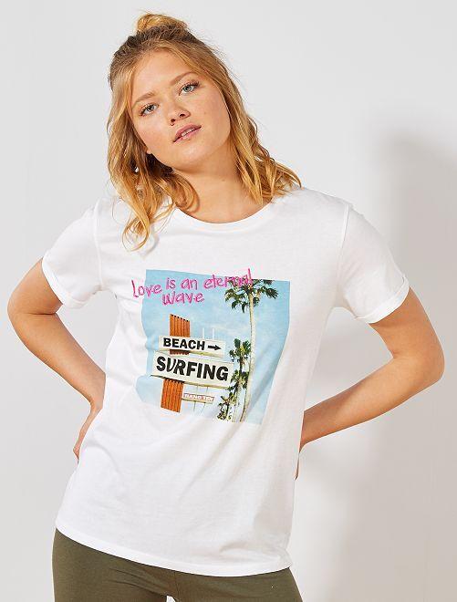 Camiseta con estampado fantasía                                         BEIGE