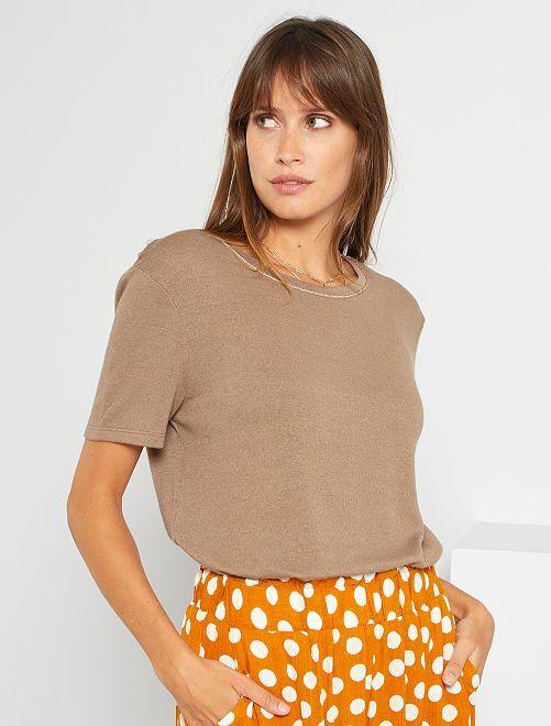 Camiseta con lino                                                                             gris beige