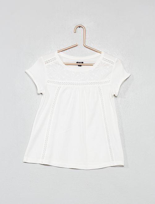 Camiseta con macramé                                                         blanco nieve Chica