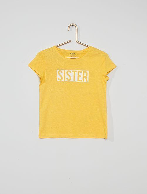 Camiseta con mensaje estampado                                                                                                     AMARILLO