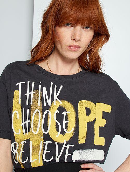 Camiseta con mensaje                                         gris oscuro