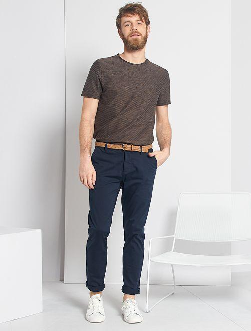 Camiseta con rayas texturizadas                             AZUL