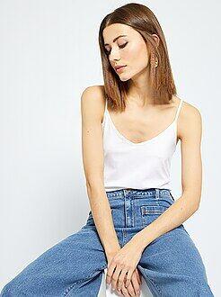 Camiseta con tirantes finos