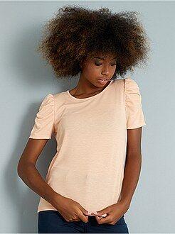 Camiseta confeccionada en punto de jersey con hombros bombachos