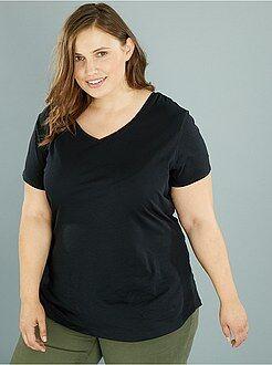 Tallas grandes mujer Camiseta de algodón con cuello de pico