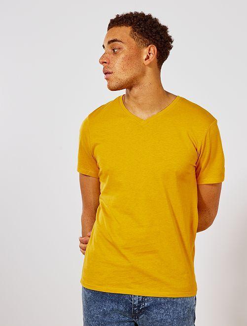 Camiseta de algodón con cuello de pico regular                                                                                                                 AMARILLO Hombre