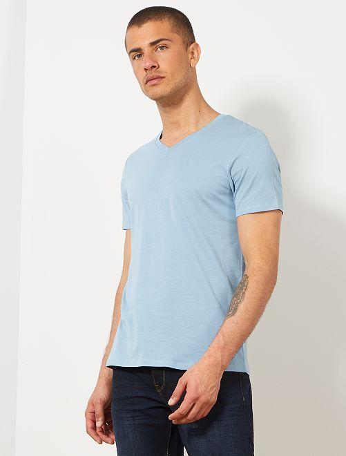 Camiseta de algodón con cuello de pico regular                                                                                                     azul denim