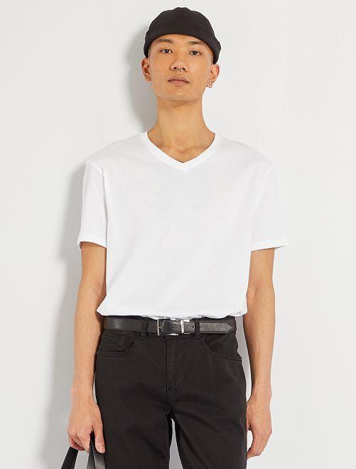 Camiseta de algodón con cuello de pico regular                                                                                                                             blanco Hombre