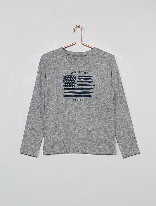 Camiseta de algodón orgánico con bandera estampada                                         GRIS