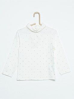 Camiseta de cuello alto con estampado de fantasía brillante